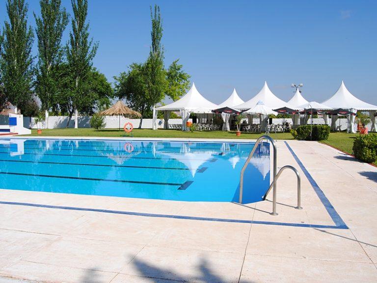 alumnos-en-la-piscina-2011-12-15_13949546360_o
